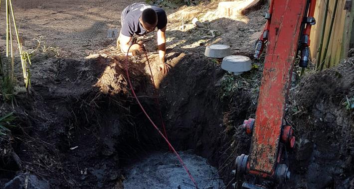 Expert Plumbing Services Logo