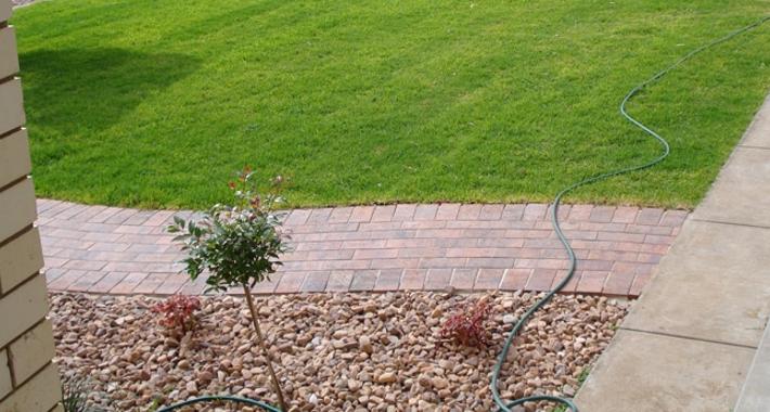 Complete Landscape & Garden Service Logo