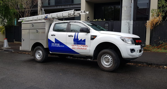 GNM Plumbing and Drainage Logo