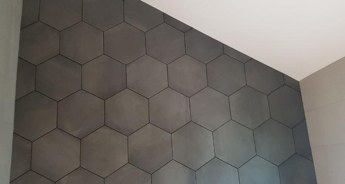 Varsity Tiling Logo