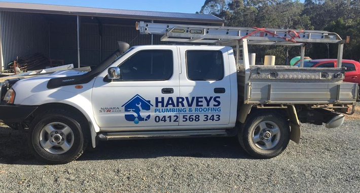 Harveys Plumbing & Roofing Logo