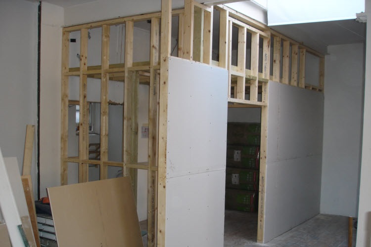Interior Stud Wall Construction : Building a stud partition service