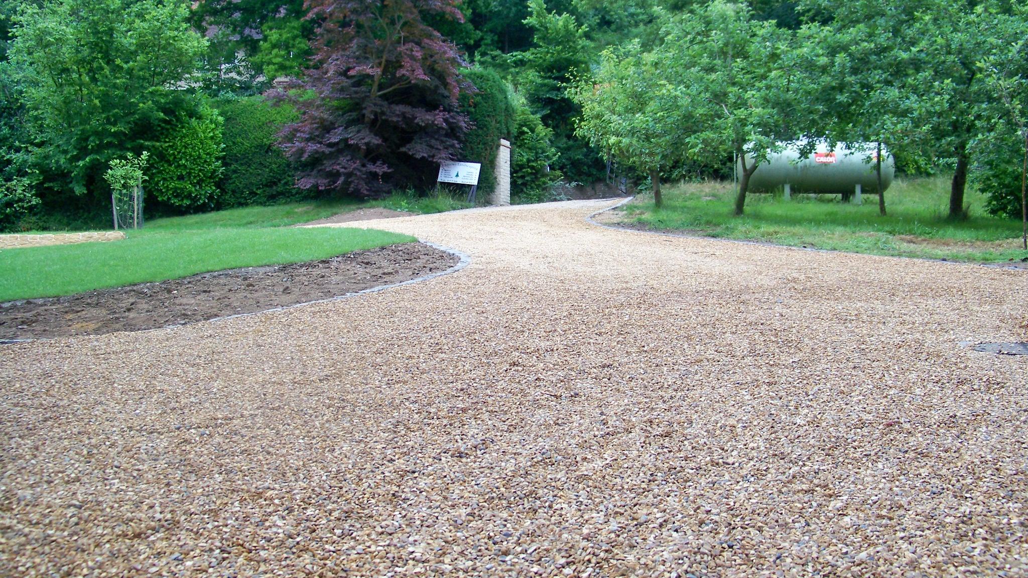 driveway gravel.jpg