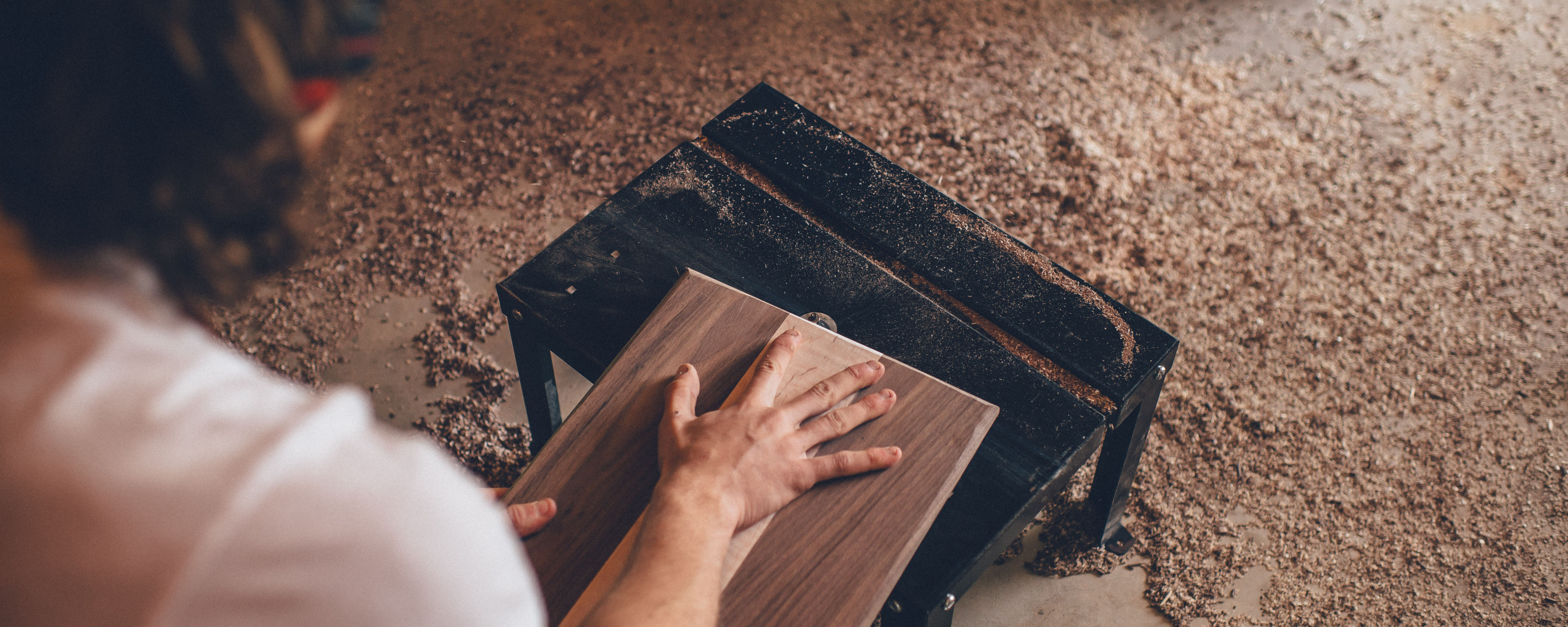How much does it cost to hire a carpenter? | Service com au