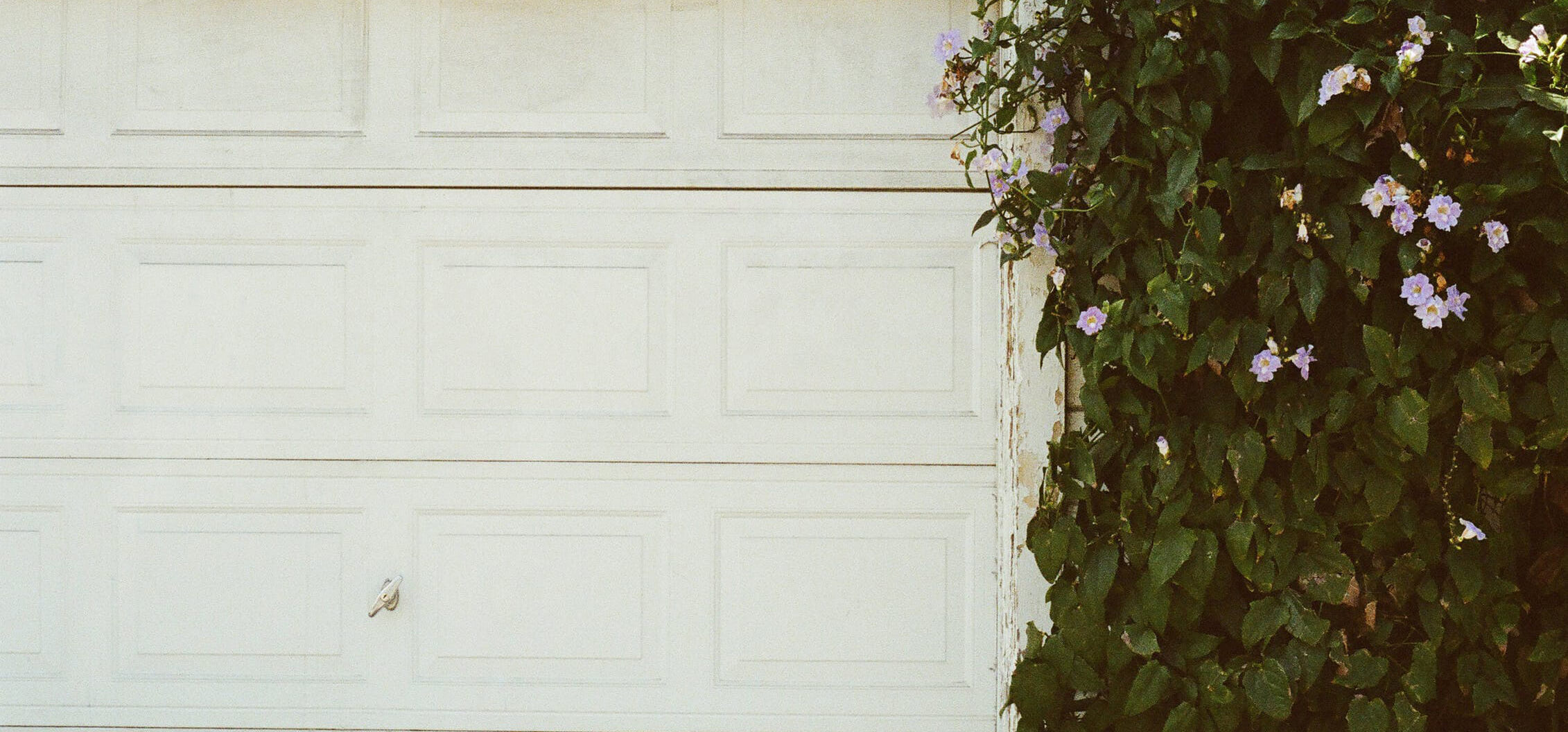 6-questions-you-need-to-ask-before-you-install-a-new-garage-door-2.jpg