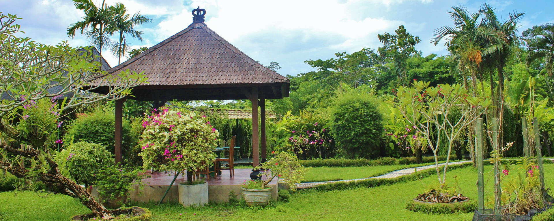 6-tips-to-create-a-Balinese-inspired-garden-4.jpg