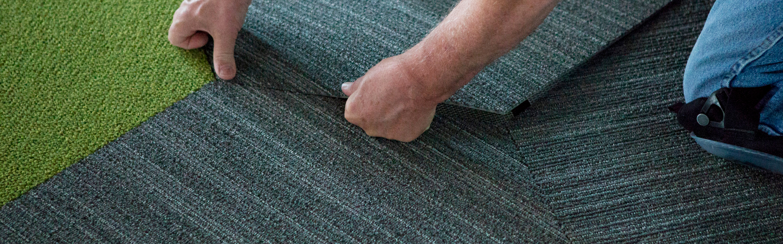 how much does carpet laying cost
